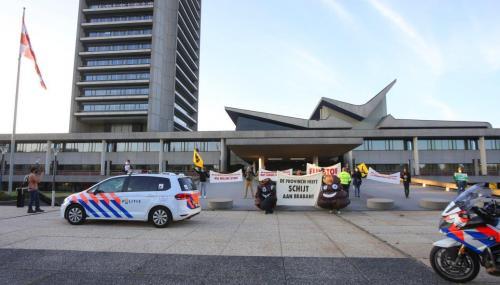Actie provinciehuis 2